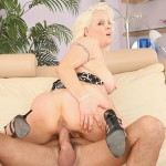 veronica vaughn riding a cock